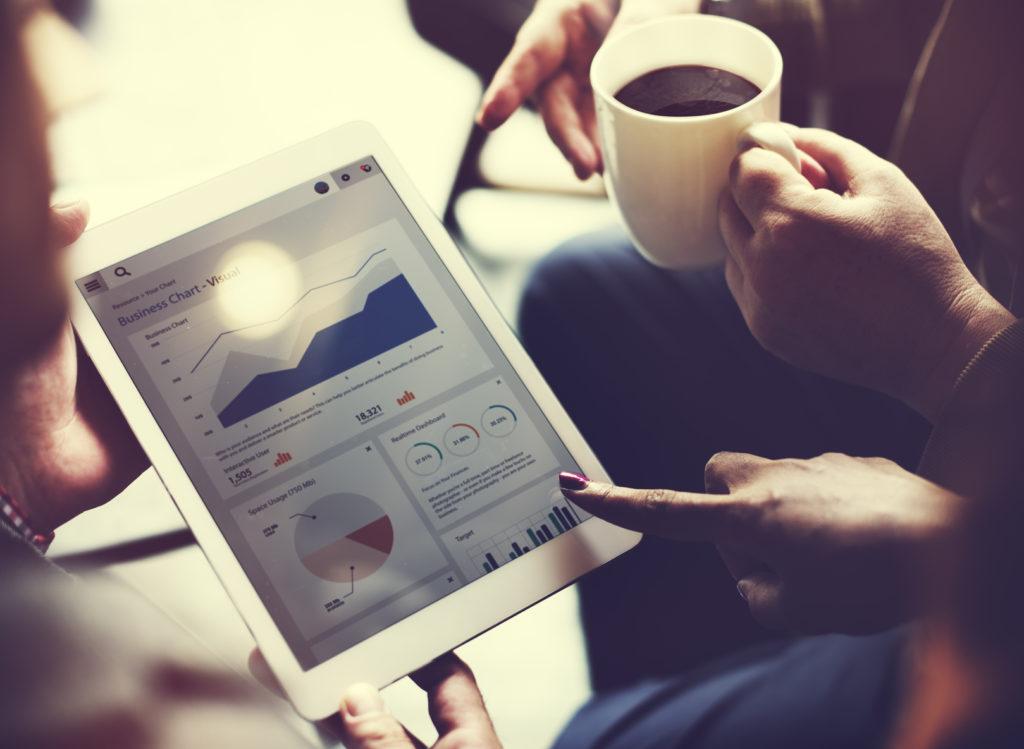 Badanie, analizowanie i wyciąganie wniosków - to klucz do spełnia celów strategii w social media