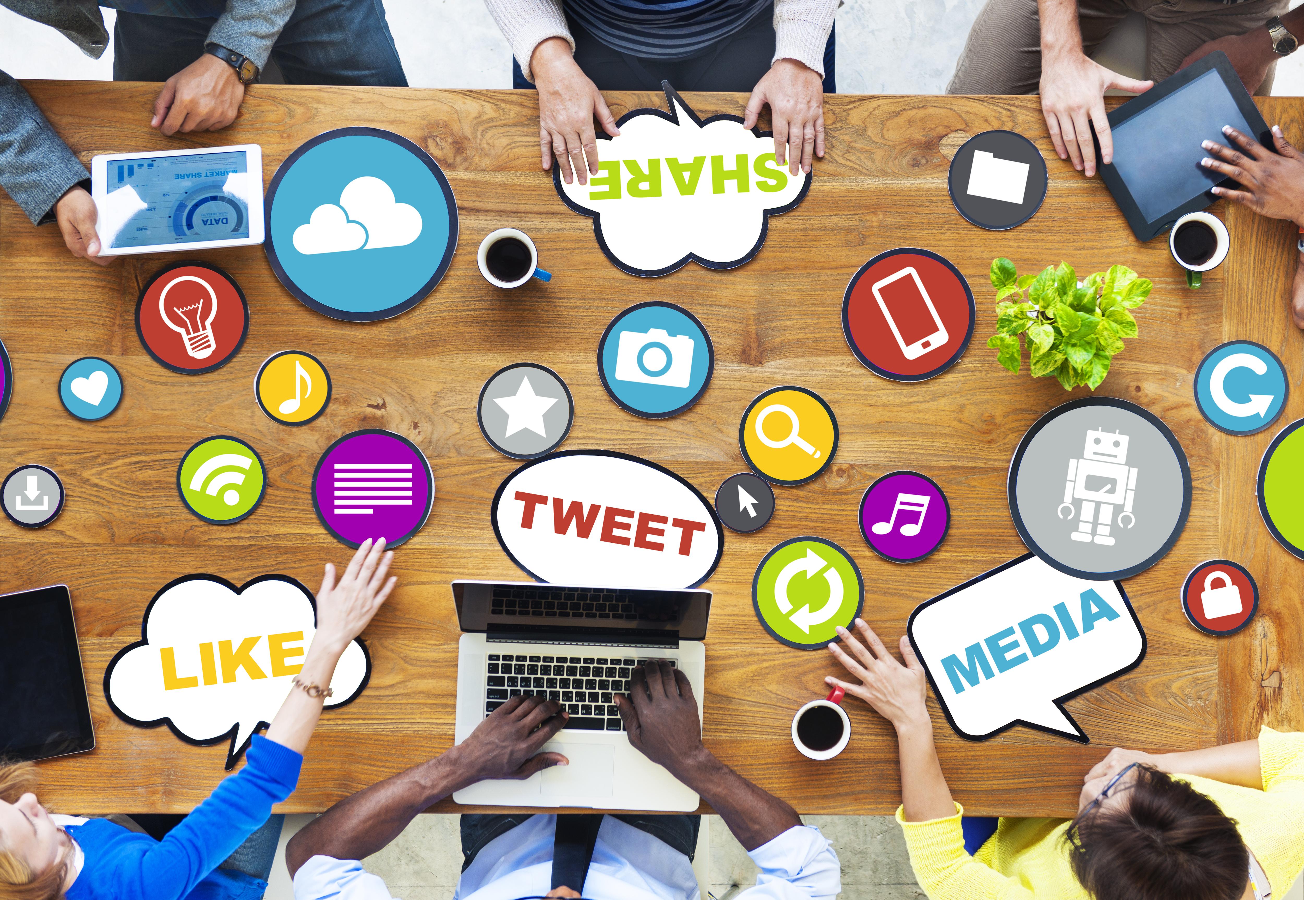 Są rzeczy ważne i ważniejsze. W dzisiejszych czasach, działania w social media należą zdecydowanie do tej drugiej grupy.