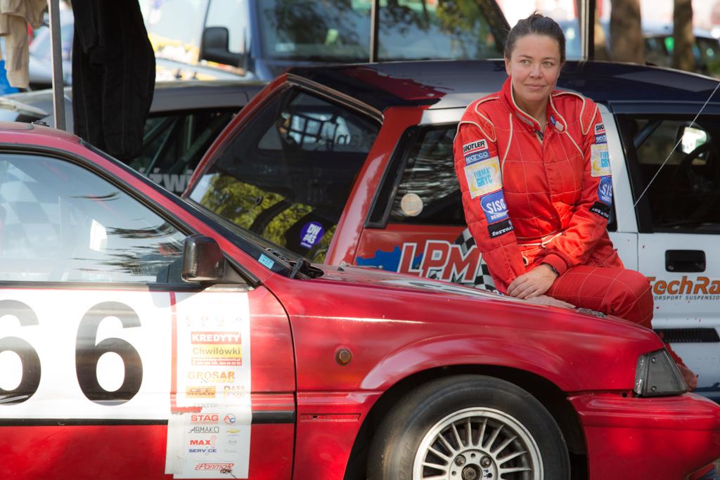 Daria Dziwisz z sukcesami bierze udział w wyścigach samochodowych